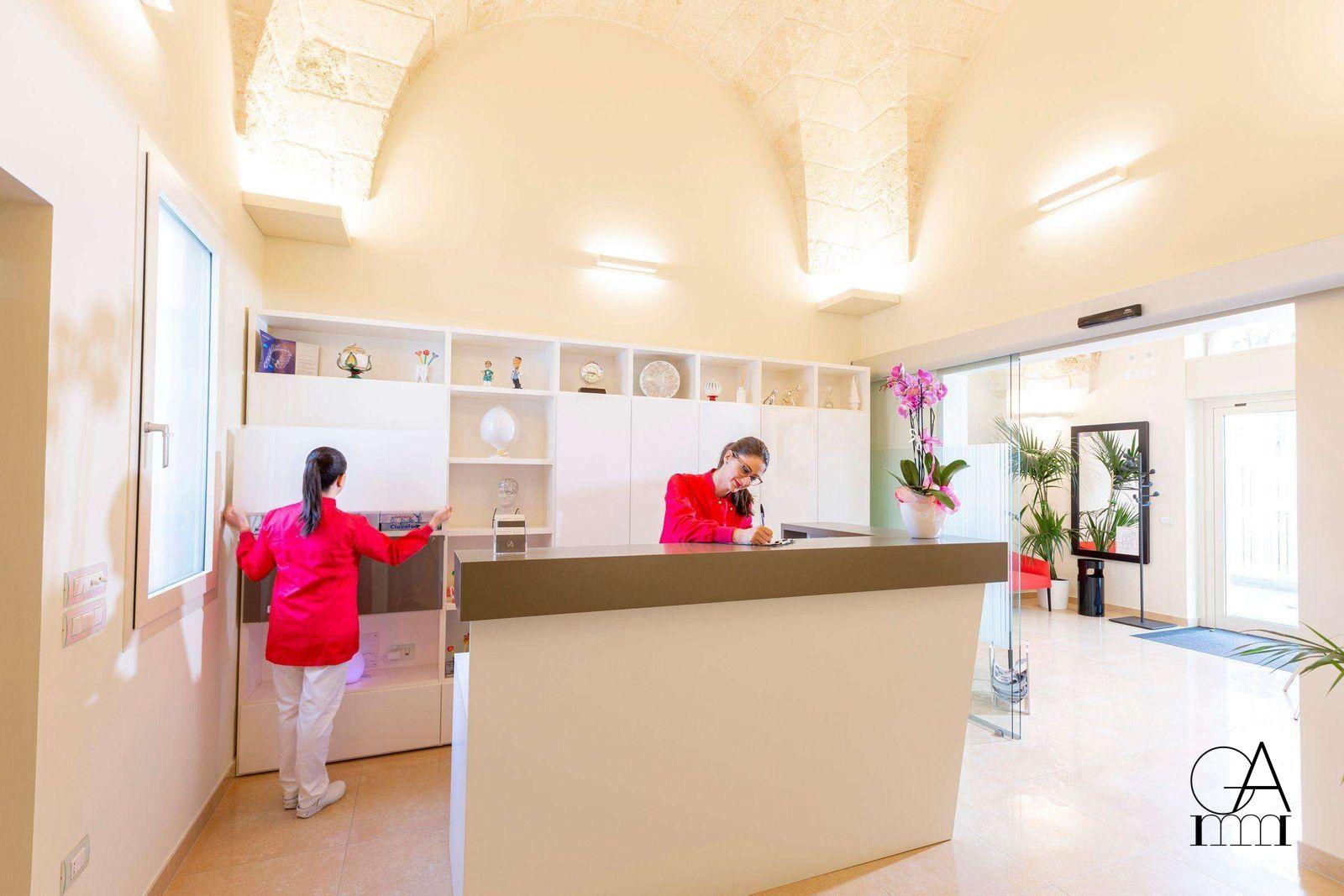 Studio-Dentistico-Alfano-Lo-Studio-Reception
